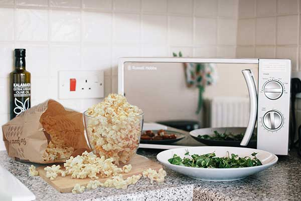 Pros and Cons of Microwaves – is using a microwave safe?